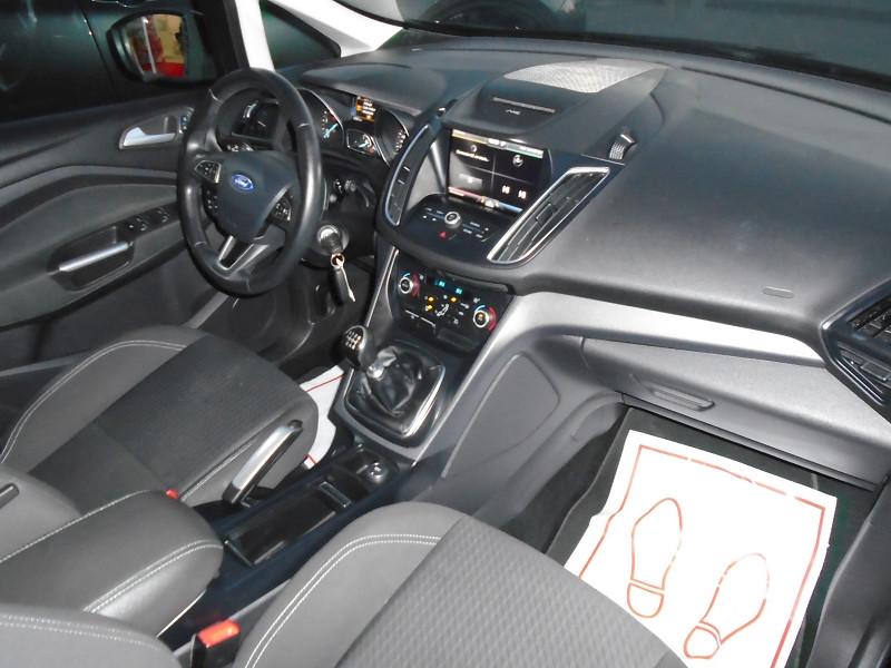 Photo 9 de l'offre de FORD C-MAX 1.5 TDCI 105CH ECONETIC STOP&START BUSINESS NAV à 9495€ chez Remiremont automobiles