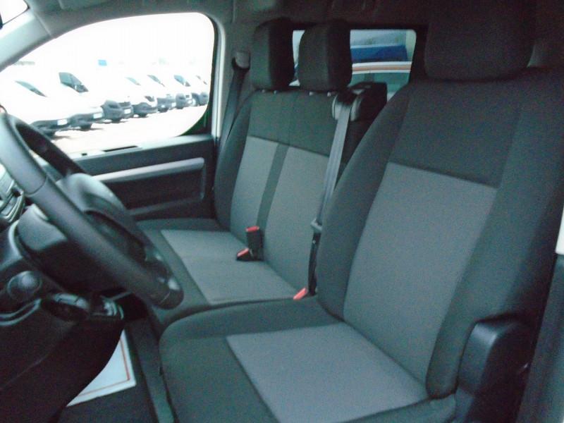 Photo 5 de l'offre de PEUGEOT TRAVELLER 1.5 BLUEHDI 120CH S&S STANDARD BUSINESS 9 PLACES à 29995€ chez Remiremont automobiles