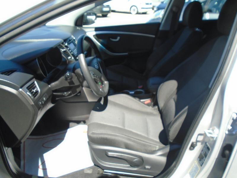 Photo 3 de l'offre de HYUNDAI I30 1.6 CRDI 110CH BLUE DRIVE INITIA 5P à 10495€ chez Remiremont automobiles