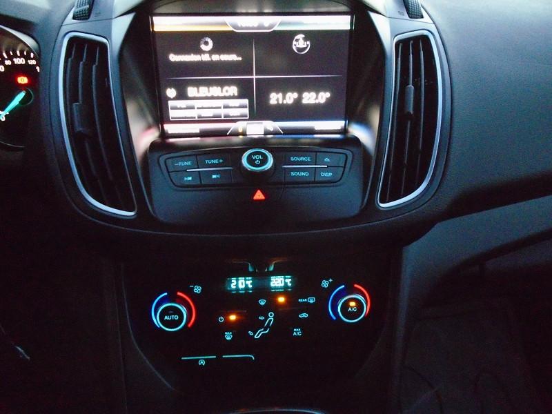 Photo 12 de l'offre de FORD C-MAX 1.5 TDCI 105CH ECONETIC STOP&START BUSINESS NAV à 9495€ chez Remiremont automobiles