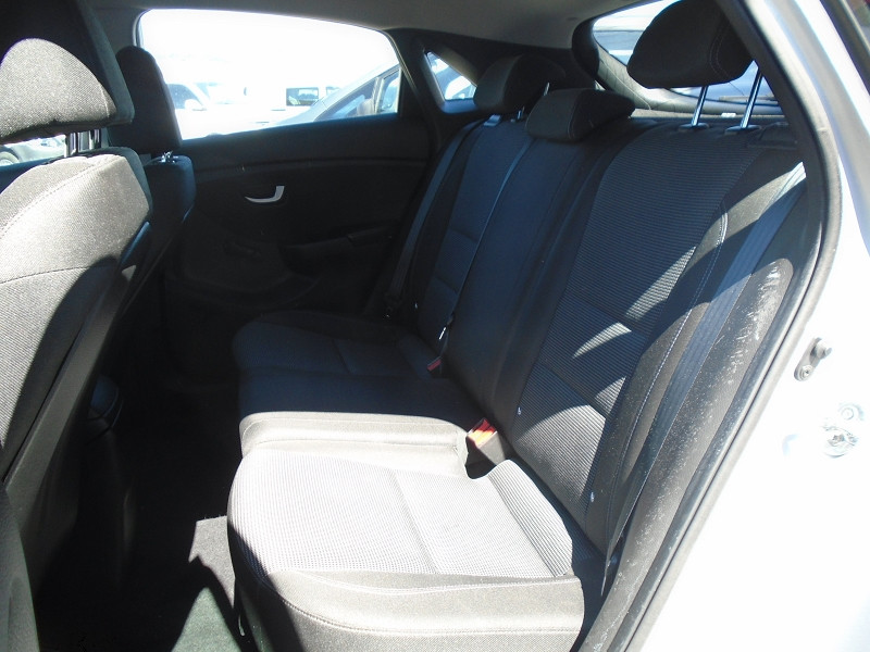 Photo 6 de l'offre de HYUNDAI I30 1.6 CRDI 110CH BLUE DRIVE INITIA 5P à 10495€ chez Remiremont automobiles