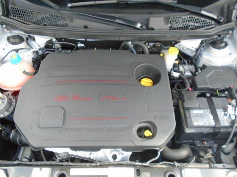 Photo 11 de l'offre de ALFA ROMEO GIULIETTA 1.6 JTDM 105CH DISTINCTIVE STOP&START à 7695€ chez Remiremont automobiles