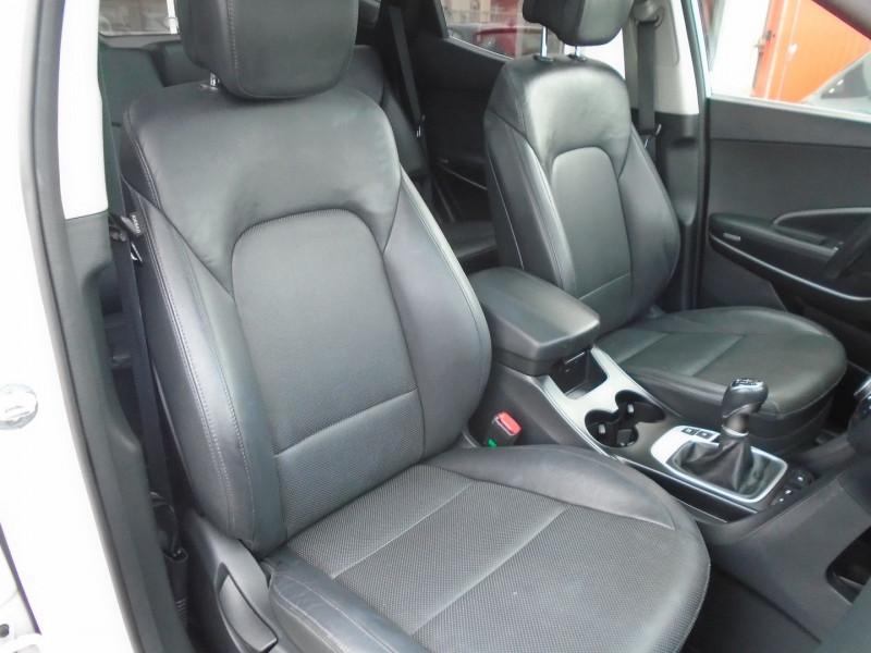 Photo 9 de l'offre de HYUNDAI SANTA FE 2.2 CRDI 200CH CREATIVE 4WD à 22995€ chez Remiremont automobiles