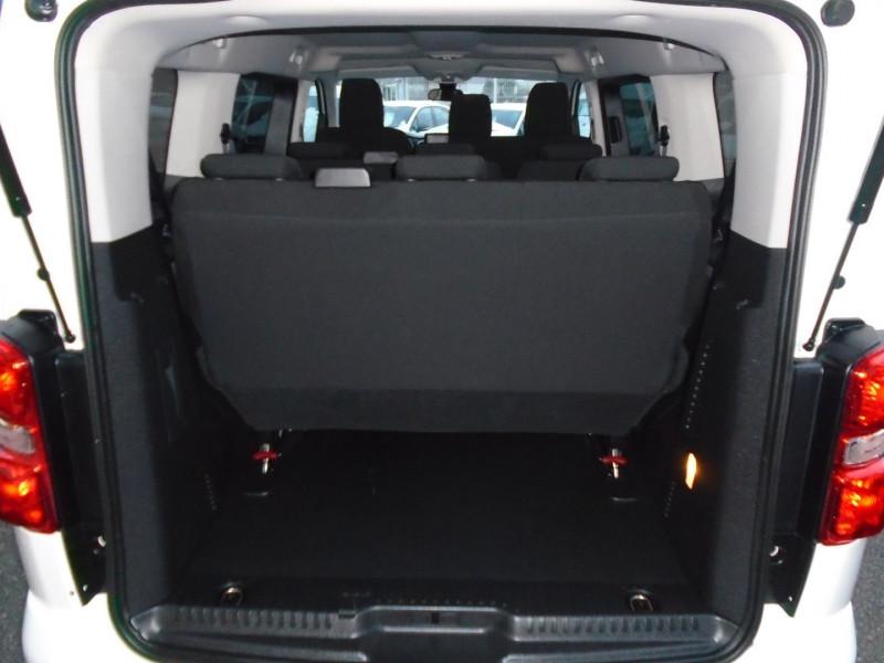 Photo 6 de l'offre de PEUGEOT TRAVELLER 1.5 BLUEHDI 120CH S&S STANDARD BUSINESS 9 PLACES à 29995€ chez Remiremont automobiles