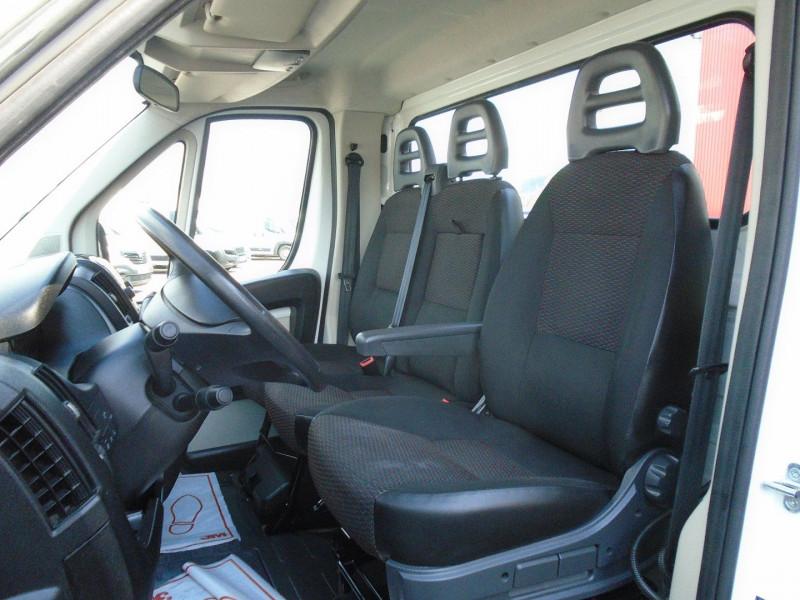 Photo 3 de l'offre de PEUGEOT BOXER BENNE 335 L2 2.0 BLUEHDI 130 S&S PRO SR à 23995€ chez Remiremont automobiles