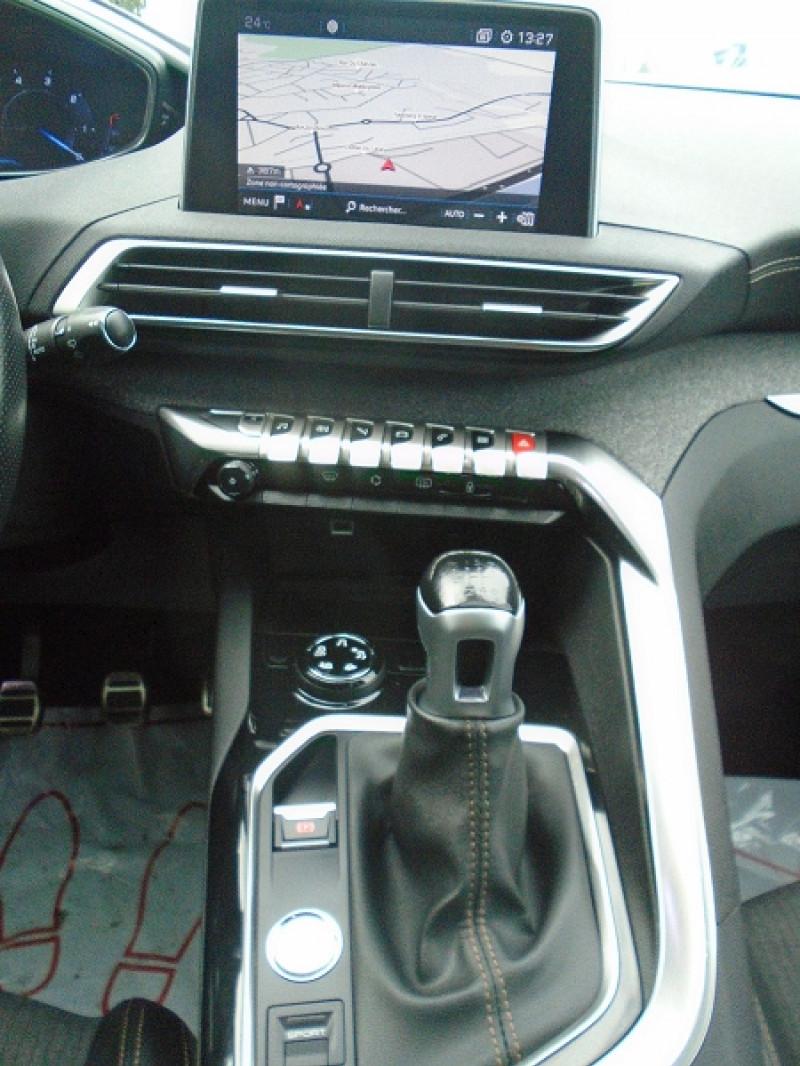 Photo 6 de l'offre de PEUGEOT 3008 2.0 BLUEHDI 150CH GT LINE S&S à 24995€ chez Remiremont automobiles