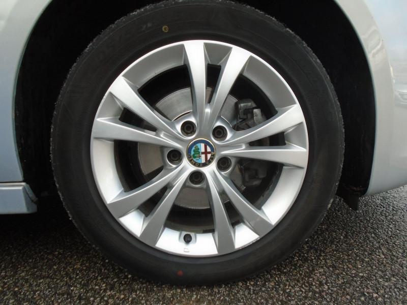 Photo 13 de l'offre de ALFA ROMEO GIULIETTA 1.6 JTDM 105CH DISTINCTIVE STOP&START à 7695€ chez Remiremont automobiles