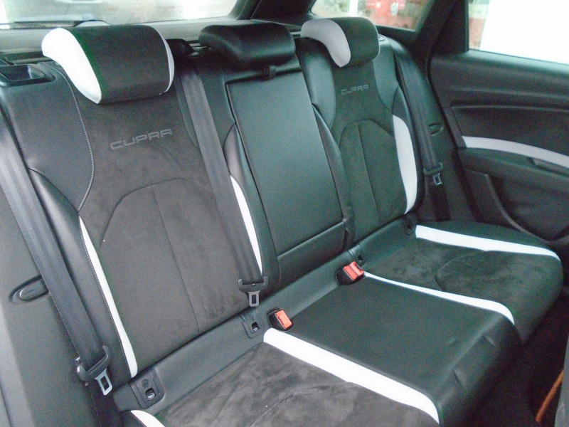 Photo 12 de l'offre de SEAT LEON ST 2.0 TSI 290CH CUPRA 290 START&STOP à 24995€ chez Remiremont automobiles