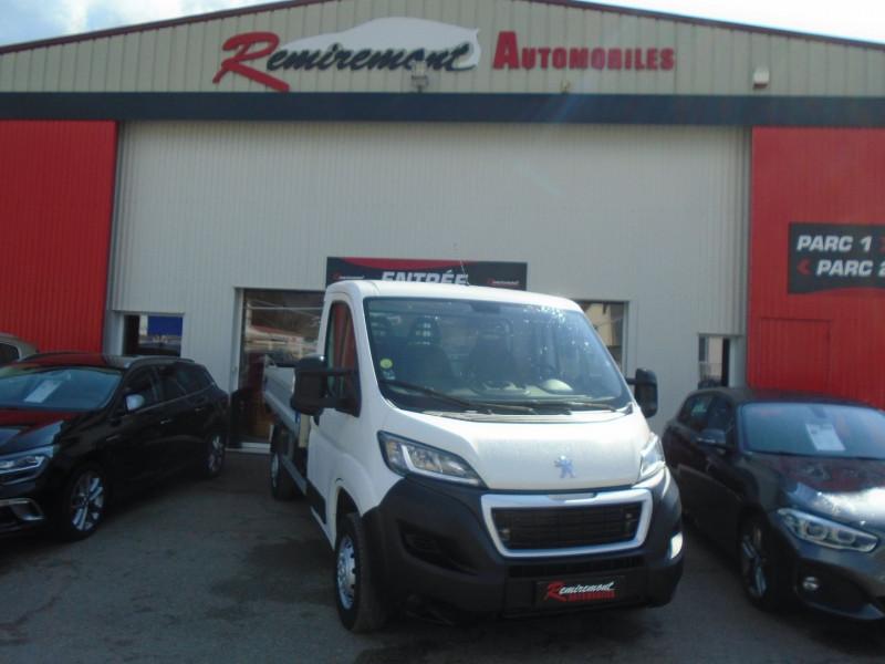 Photo 1 de l'offre de PEUGEOT BOXER BENNE 335 L2 2.0 BLUEHDI 130 S&S PRO SR à 23995€ chez Remiremont automobiles