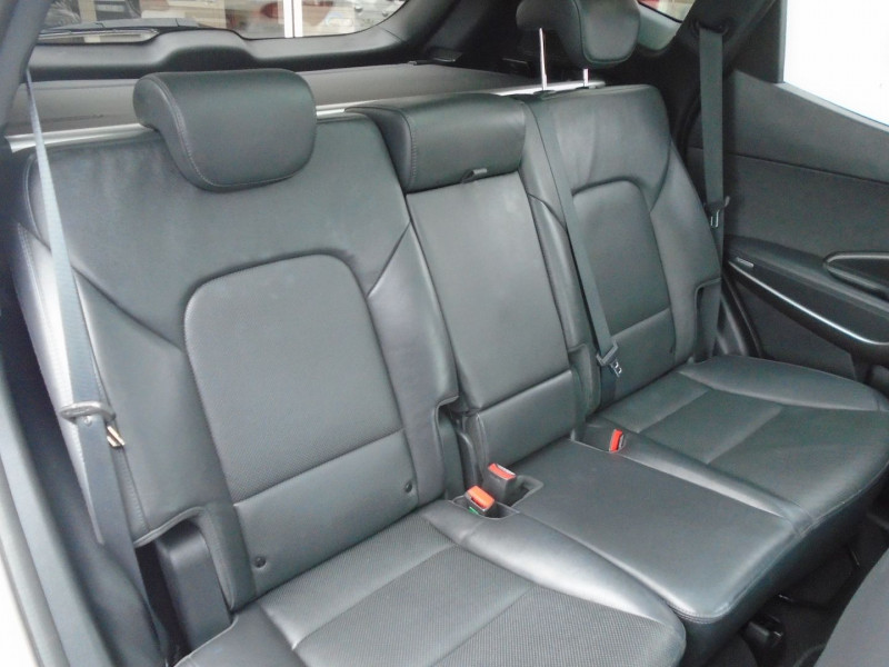 Photo 11 de l'offre de HYUNDAI SANTA FE 2.2 CRDI 200CH CREATIVE 4WD à 22995€ chez Remiremont automobiles