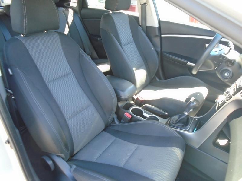 Photo 5 de l'offre de HYUNDAI I30 1.6 CRDI 110CH BLUE DRIVE INITIA 5P à 10495€ chez Remiremont automobiles