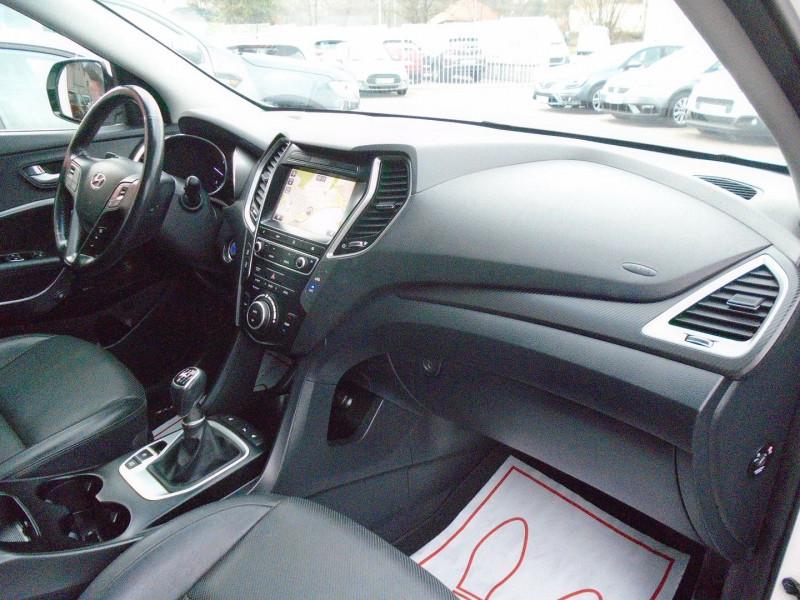 Photo 10 de l'offre de HYUNDAI SANTA FE 2.2 CRDI 200CH CREATIVE 4WD à 22995€ chez Remiremont automobiles