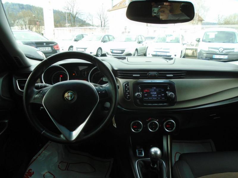 Photo 4 de l'offre de ALFA ROMEO GIULIETTA 1.6 JTDM 105CH DISTINCTIVE STOP&START à 7695€ chez Remiremont automobiles