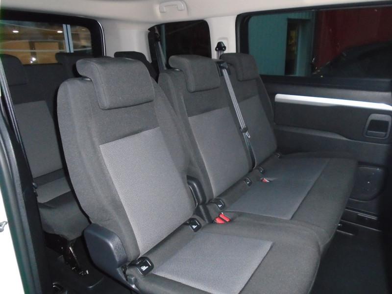 Photo 7 de l'offre de PEUGEOT TRAVELLER 1.5 BLUEHDI 120CH S&S STANDARD BUSINESS 9 PLACES à 29995€ chez Remiremont automobiles
