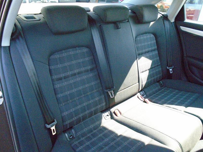 Photo 8 de l'offre de AUDI A4 2.0 TDI 136CH ULTRA CLEAN DIESEL DPF BUSINESS LINE EURO6 à 15995€ chez Remiremont automobiles