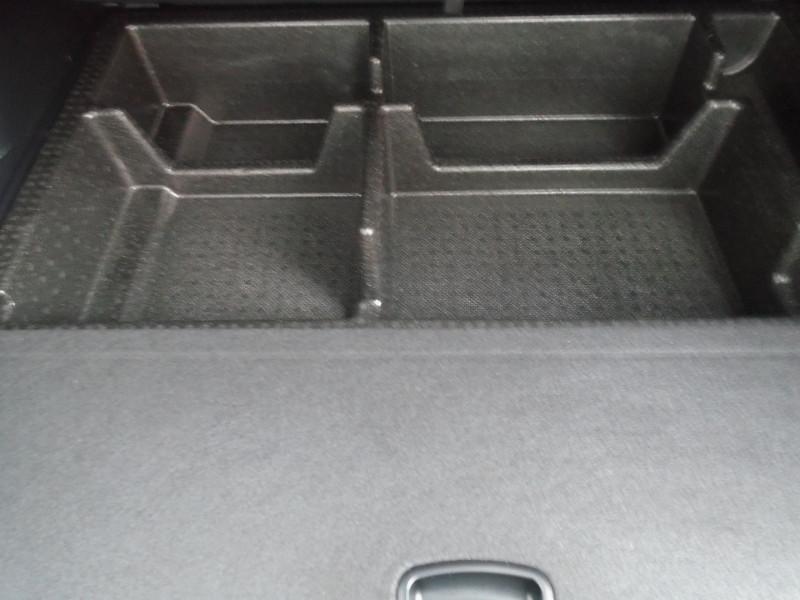Photo 14 de l'offre de HYUNDAI SANTA FE 2.2 CRDI 200CH CREATIVE 4WD à 22995€ chez Remiremont automobiles