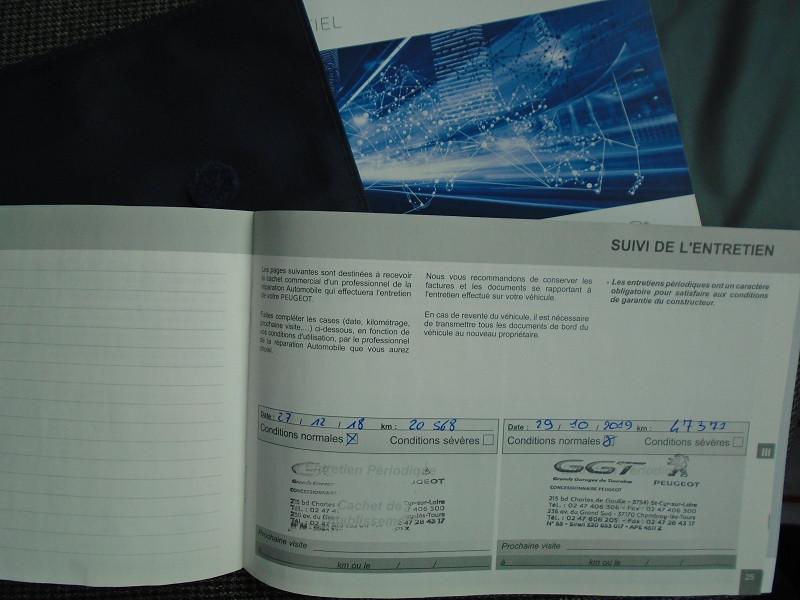 Photo 14 de l'offre de PEUGEOT 5008 1.6 BLUEHDI 120CH ALLURE S&S 7PL à 23995€ chez Remiremont automobiles