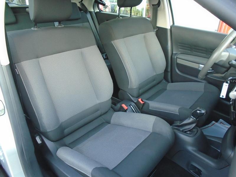 Photo 6 de l'offre de CITROEN C4 CACTUS BLUEHDI 100 FEEL à 10995€ chez Remiremont automobiles