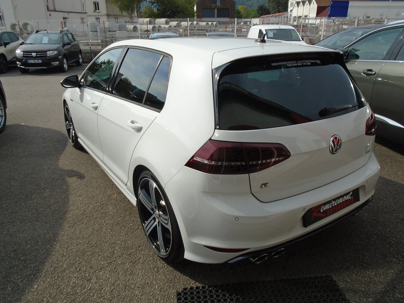 Photo 2 de l'offre de VOLKSWAGEN GOLF VII R 2.0 TSI 300CH 4MOTION 5P à 29995€ chez Remiremont automobiles