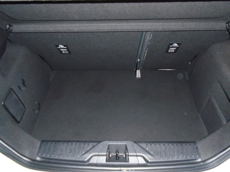 Photo 8 de l'offre de FORD FIESTA 1.5 ECOBOOST 200CH STOP&START ST-PACK 5P EURO6.2 à 21995€ chez Remiremont automobiles