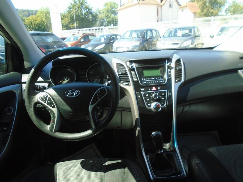 Photo 4 de l'offre de HYUNDAI I30 1.6 CRDI 110CH BLUE DRIVE INITIA 5P à 10495€ chez Remiremont automobiles