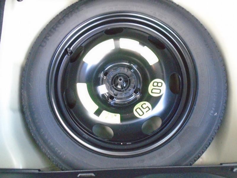 Photo 10 de l'offre de CITROEN C3 BLUEHDI 100CH SHINE BUSINESS S&S à 12495€ chez Remiremont automobiles