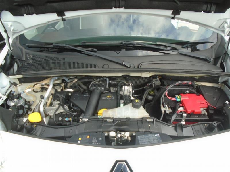Photo 15 de l'offre de RENAULT KANGOO TPMR 1.5 DCI 110CH FAP EXPRESSION à 14995€ chez Remiremont automobiles