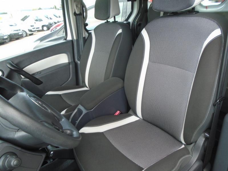 Photo 3 de l'offre de RENAULT KANGOO TPMR 1.5 DCI 110CH FAP EXPRESSION à 14995€ chez Remiremont automobiles