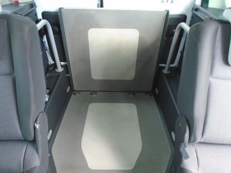 Photo 7 de l'offre de RENAULT KANGOO TPMR 1.5 DCI 110CH FAP EXPRESSION à 14995€ chez Remiremont automobiles