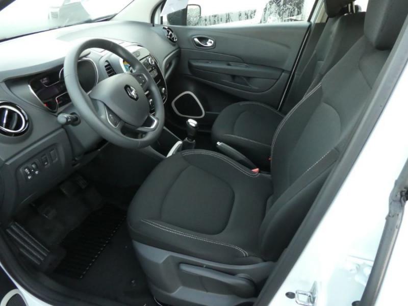 Photo 6 de l'offre de RENAULT CAPTUR TCe 90 PACK Bluetooth Jantes Alu 16 à 14450€ chez Mérignac auto