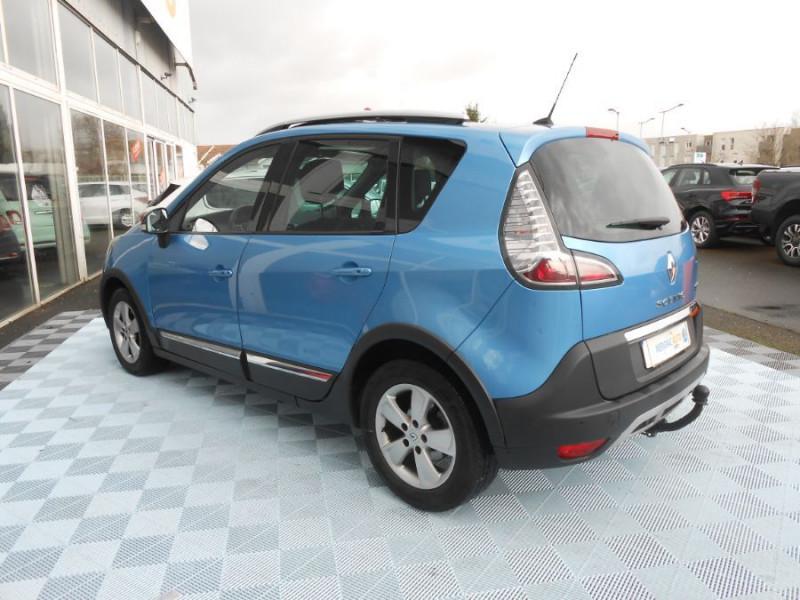 Photo 6 de l'offre de RENAULT SCENIC XMOD 1.2 TCe 115 BV6 ZEN Toit Pano. 1ère Main à 9950€ chez Mérignac auto