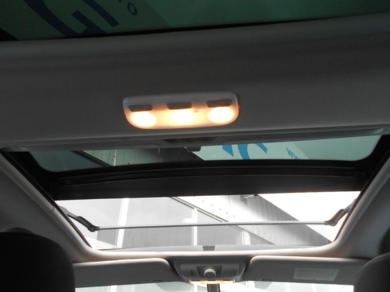 Photo 9 de l'offre de RENAULT SCENIC XMOD 1.2 TCe 115 BV6 ZEN Toit Pano. 1ère Main à 9950€ chez Mérignac auto