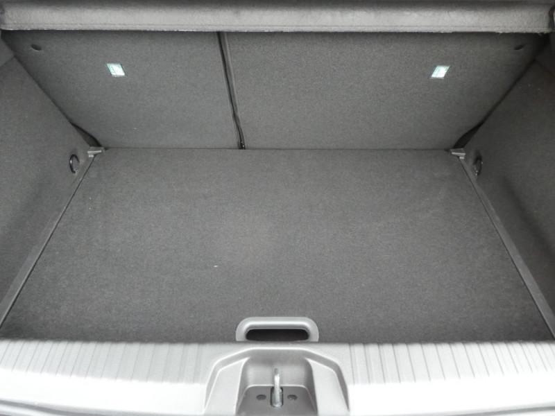 Photo 10 de l'offre de RENAULT CLIO V TCe 100 INTENS Export JA17 Camera Radars à 16450€ chez Mérignac auto