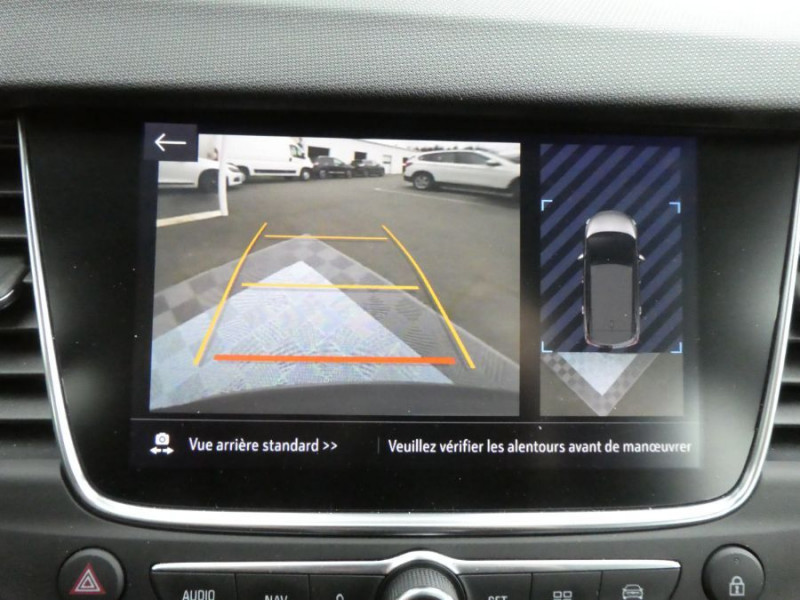 Photo 10 de l'offre de OPEL CROSSLAND X 1.2 Turbo 110 BV6 DESIGN 120ans Caméra Radars à 16750€ chez Mérignac auto
