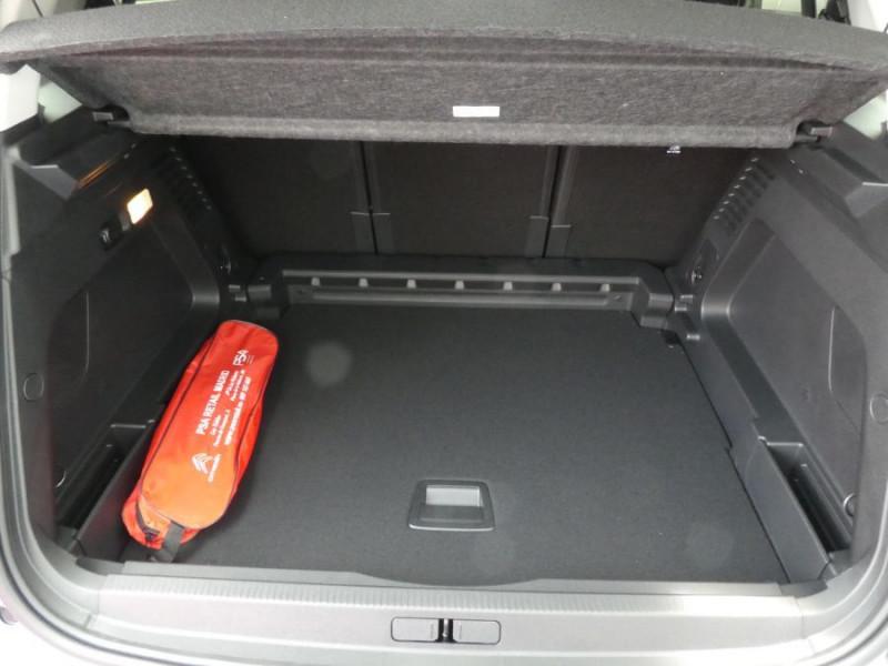 Photo 8 de l'offre de CITROEN C5 AIRCROSS BlueHDi 130 EAT8 FEEL Full LED GPS JA19 Camera 360° à 28490€ chez Mérignac auto