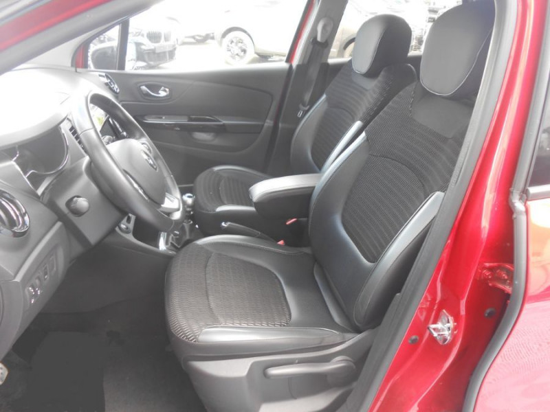 Photo 9 de l'offre de RENAULT CAPTUR 1.5 dCi 110 BV6 INTENS Camera 1ère Main à 12350€ chez Mérignac auto