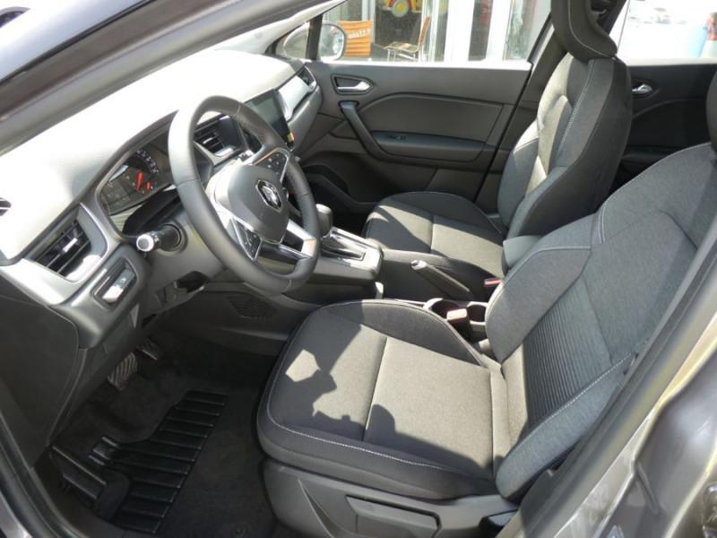 Photo 8 de l'offre de RENAULT CAPTUR II 1.5 Blue dCi 115 EDC7 ZEN Pack NAVI à 22750€ chez Mérignac auto