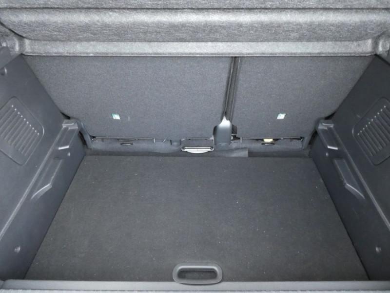 Photo 9 de l'offre de RENAULT CAPTUR 1.5 dCi 110 BV6 INTENS R-LINK Camera à 12950€ chez Mérignac auto