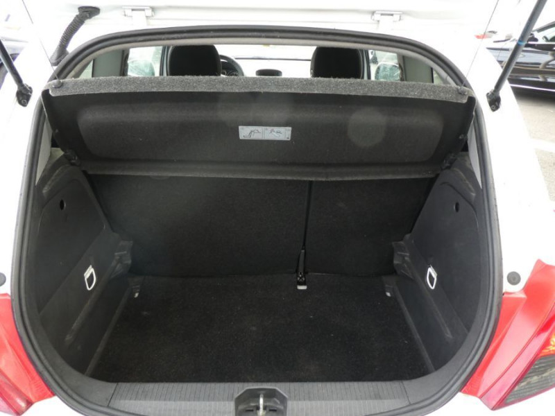 Photo 9 de l'offre de OPEL CORSA 1.0 TWINPORT 65CV 111 CLIM 3P à 4990€ chez Mérignac auto
