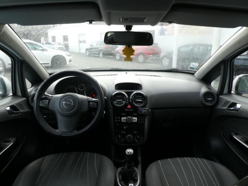 Photo 6 de l'offre de OPEL CORSA 1.0 TWINPORT 65CV 111 CLIM 3P à 4990€ chez Mérignac auto