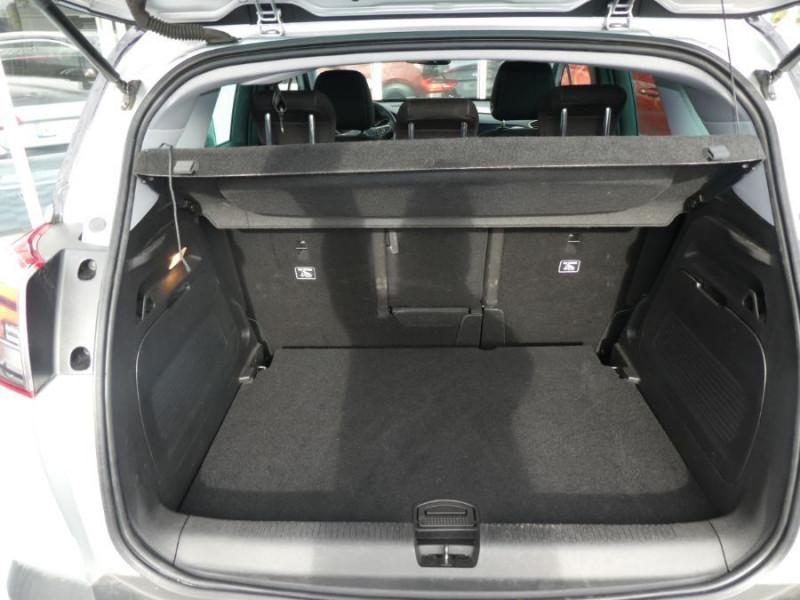 Photo 9 de l'offre de OPEL CROSSLAND X 1.2 Turbo 110 BVA6 DESIGN 120ans JA17 Caméra Radars Pack Modularité à 17290€ chez Mérignac auto