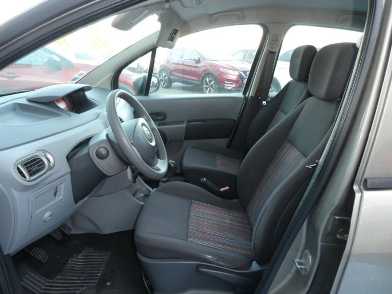Photo 6 de l'offre de RENAULT MODUS 1.5 DCI 65 EXPRESSION CLIM à 5450€ chez Mérignac auto