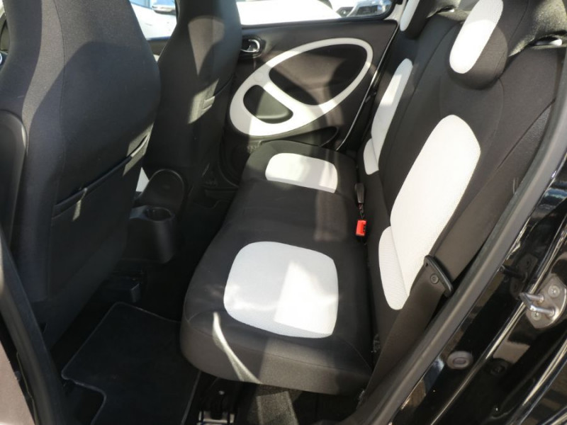 Photo 11 de l'offre de SMART FORFOUR 1.0 71 PASSION Toit Pano 5P 1ère Main à 7250€ chez Mérignac auto