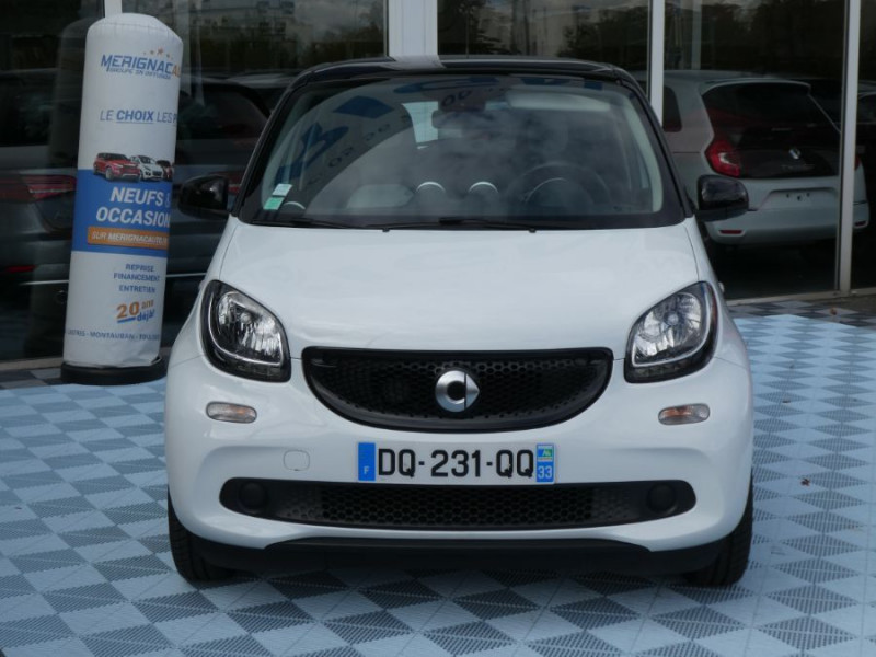 Photo 9 de l'offre de SMART FORFOUR 1.0 71 PASSION Toit Pano 5P 1ère Main à 7250€ chez Mérignac auto