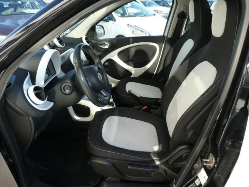 Photo 6 de l'offre de SMART FORFOUR 1.0 71 PASSION Toit Pano 5P 1ère Main à 7250€ chez Mérignac auto