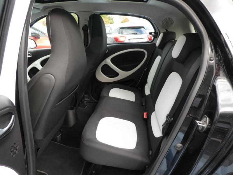 Photo 7 de l'offre de SMART FORFOUR 1.0 71 PASSION Toit Pano 5P 1ère Main à 7250€ chez Mérignac auto