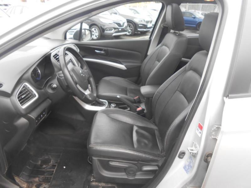 Photo 7 de l'offre de SUZUKI SX4 S-CROSS 1.6 VVT 120 BVA CVT ALLGRIP STYLE CUIR TOE Attel. à 12450€ chez Mérignac auto