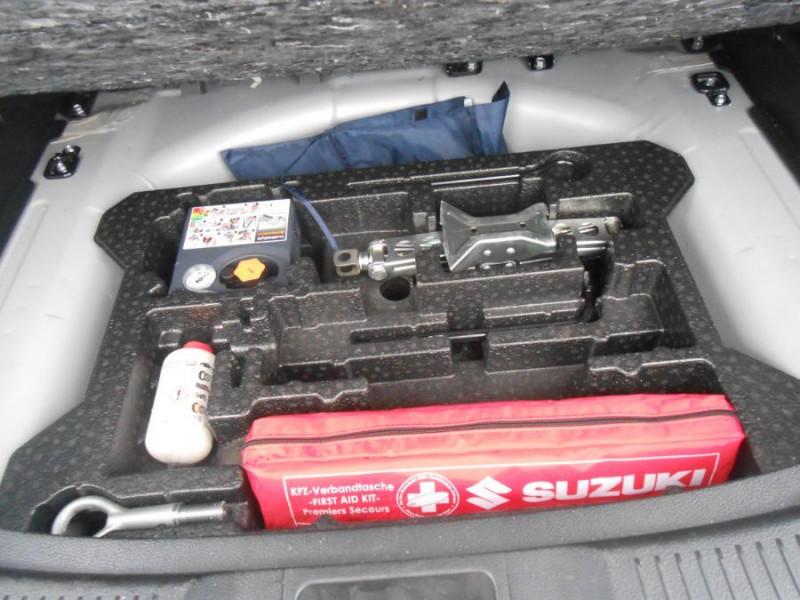 Photo 13 de l'offre de SUZUKI SX4 S-CROSS 1.6 VVT 120 BVA CVT ALLGRIP STYLE CUIR TOE Attel. à 12450€ chez Mérignac auto
