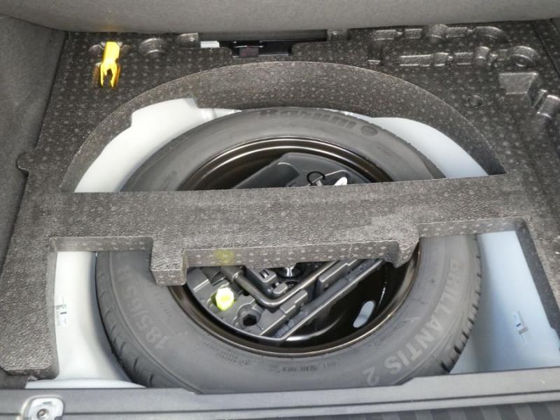 Photo 9 de l'offre de PEUGEOT 2008 II 1.2 PureTech 110 ALLURE TOIT Pano Camera Grip Control à 17890€ chez Mérignac auto