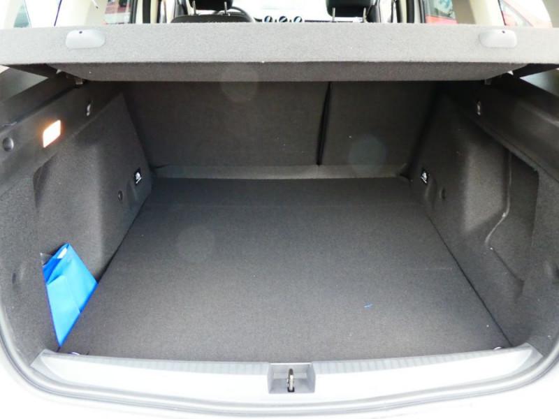 Photo 8 de l'offre de DACIA DUSTER 1.5 BlueDCi 115 BV6 4X2 BLUELINE Pack Look GPS CML SC à 18750€ chez Mérignac auto